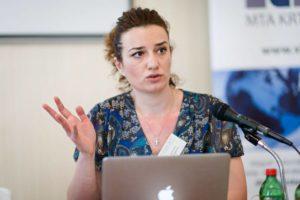 Jovana Marović na konferenciji
